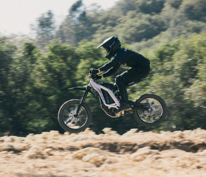 9_Riding X160 (1)
